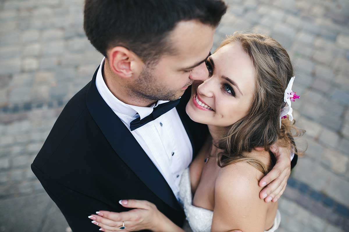 Envato White Blog Couple Abroad 8 9 18