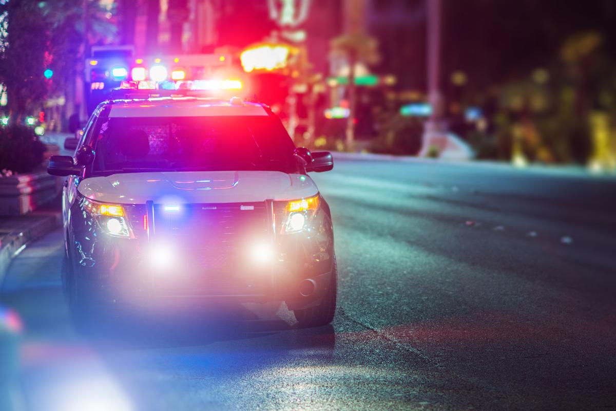 Flashy Police Cruiser Emergency Assistance 7bf2m2t